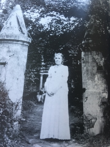 Perle Strickland Badow